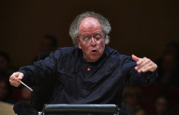 Direttore d'orchestra accusato di molestie sessuali