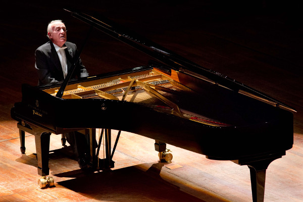 Roma concerto pianistico a santa cecilia il 4 dicembre for Auditorium parco della musica sala santa cecilia posti migliori